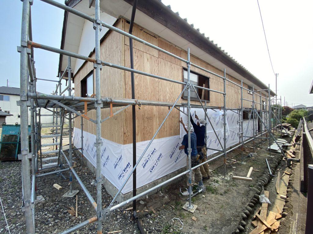 車庫の透湿防水シート施工