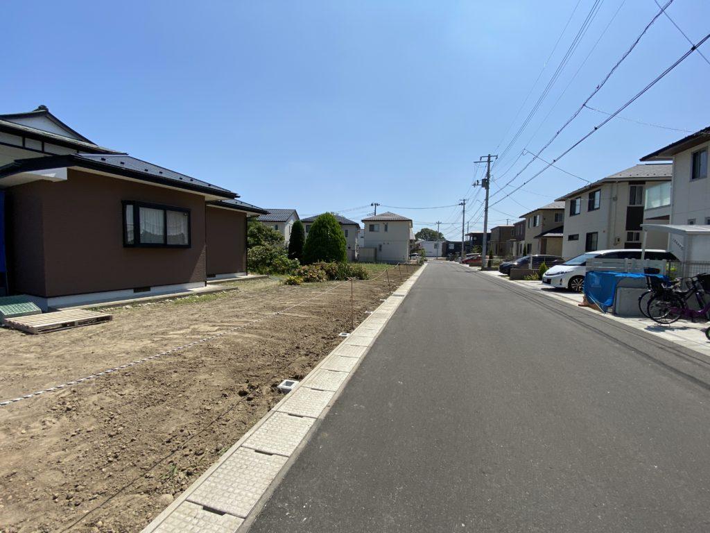 本計画敷地 西側道路面